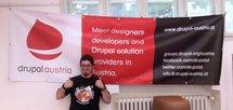 Drupal Austria 3m x 1m Outdoor Poster, davor Nico Grienauer