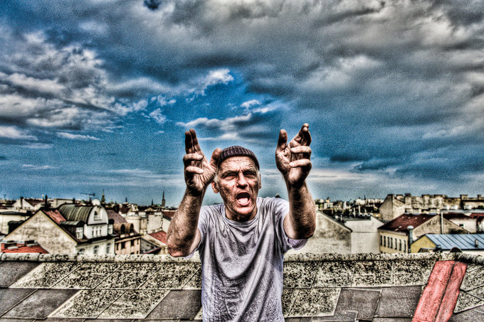 HDR picture of Christian Ide Hintze on a rooftop in vienna by Nico Grienauer